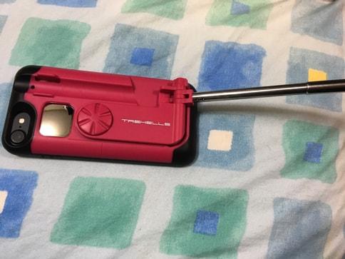 自撮り棒を内蔵しスタンドにもなるiPhoneケース!旅行好きの女子におすすめ04