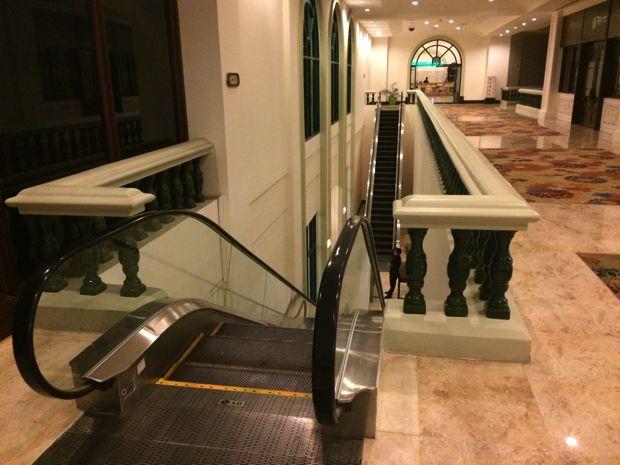 カジノ手前の階段