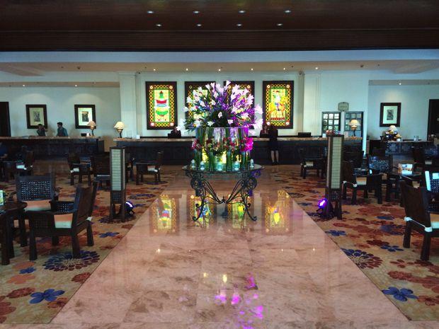 ウォーターフロント エアポート ホテル & カジノ マクタンのロビー
