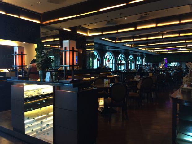 ウォーターフロント エアポート ホテル & カジノ マクタンのレストラン