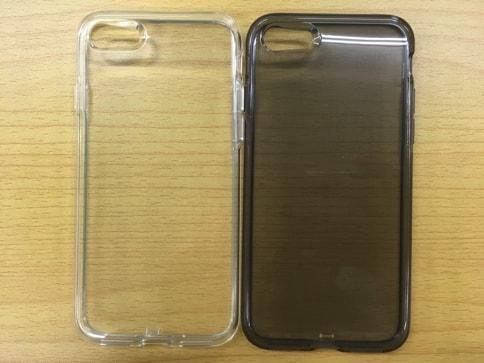 AndMesh iPhone7ケース Plain Case クリアケースはジェットブラックでも気泡が張り付かない02