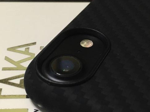 iPhone7を壊さないようPITAKAのアラミドファイバーケースを装着。薄くて軽くて高耐久06