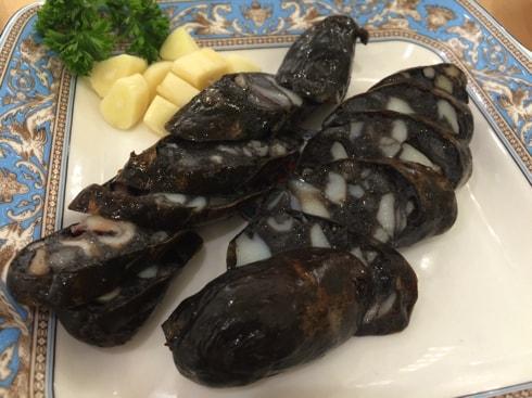 イカとイカスミの腸詰