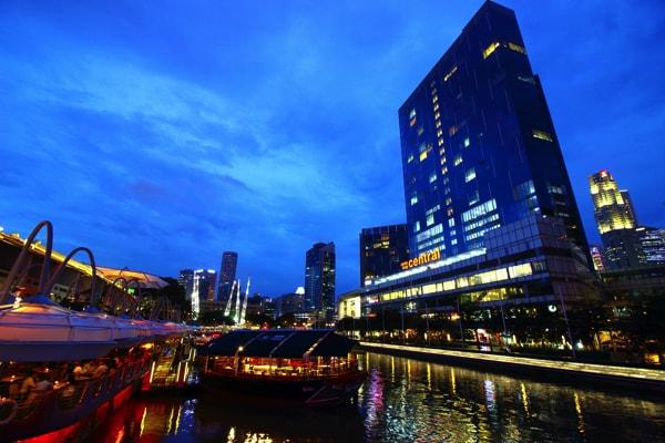 シンガポール リバークルーズからの夜景