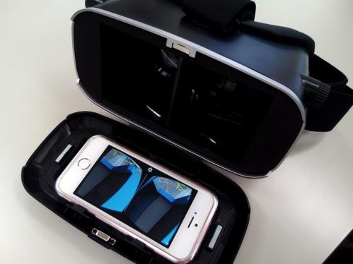 Innoo Tech 3D VR ゴーグルにスマホを収納