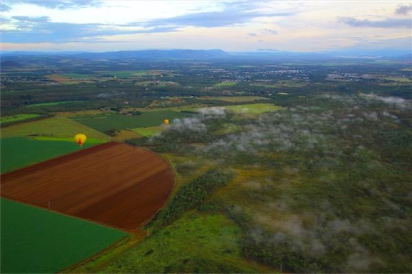 ケアンズの気球ツアー 空からの景色を一眼レフで