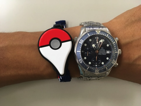 Pokemon GO Plusを腕につけてみました