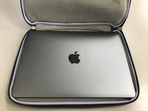 Inatechのインナーケースに12インチMacBookはピッタリ