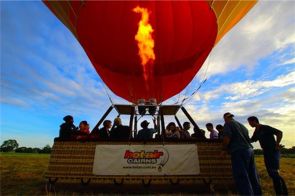 ケアンズの気球ツアー