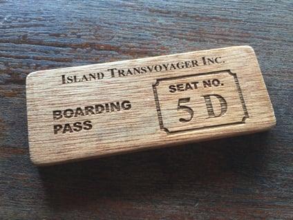 搭乗券は木でできています