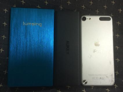 iPodtouchやモバイルバッテリーとの大きさ比較