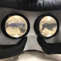 スマホでVR動画を楽しめるヘッドホンつきVRゴーグル「LUPHIE 3D」