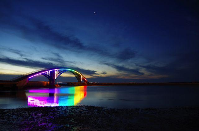 西瀛虹橋(レインボーブリッジ)