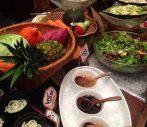 東京駅直結、丸の内のヘルシーな自然食ビュッフェ「野の葡萄」